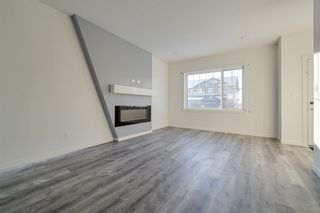 Photo 2: 5715 Hawthorn Common SW in Edmonton: Zone 53 House Half Duplex for sale : MLS®# E4179819