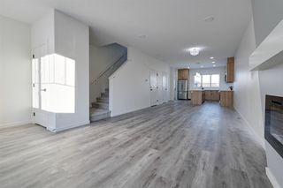 Photo 4: 5715 Hawthorn Common SW in Edmonton: Zone 53 House Half Duplex for sale : MLS®# E4179819