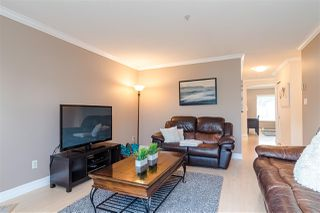 """Photo 11: 9 5662 208 Street in Langley: Langley City Townhouse for sale in """"The Meadows"""" : MLS®# R2436942"""