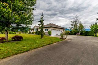 Photo 2: 41205 NO.4 Road in Abbotsford: Sumas Prairie House for sale : MLS®# R2467603