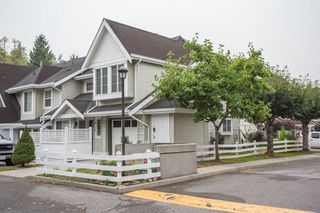 "Photo 2: 16 23560 119 Avenue in Maple Ridge: Cottonwood MR Townhouse for sale in ""HOLLYHOCK"" : MLS®# R2498856"