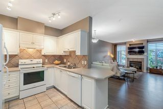 Photo 4: 1204 LAKE FRASER Green SE in Calgary: Lake Bonavista Apartment for sale : MLS®# A1035859