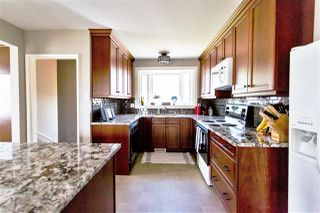 Photo 11: 5304 92 Avenue in Edmonton: Zone 18 House for sale : MLS®# E4217163