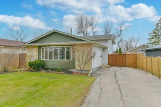 Photo 1: 245 Laurent Drive in Winnipeg: Richmond Lakes Residential for sale (1Q)  : MLS®# 202027326