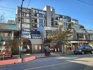 """Photo 1: 513 1270 ROBSON Street in Vancouver: West End VW Condo for sale in """"ROBSON GARDENS"""" (Vancouver West)  : MLS®# R2520033"""