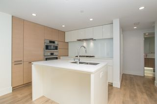 """Photo 7: 1103 5508 HOLLYBRIDGE Way in Richmond: Brighouse Condo for sale in """"RIVER PARK PLACE III"""" : MLS®# R2528967"""