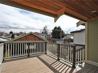Photo 9: 4062 BEATRICE Street in Vancouver: Victoria VE House for sale (Vancouver East)  : MLS®# V941379