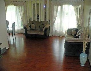 Photo 2: 67 GARDEN GROVE DR in WINNIPEG: Residential for sale (Canada)  : MLS®# 2913265