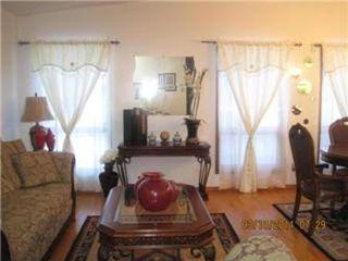 Photo 3: 327 EGESZ ST in Winnipeg: Residential for sale (Canada)  : MLS®# 1103905