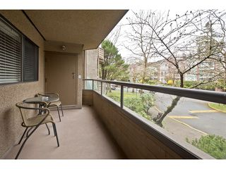 Photo 9: 106 1750 AUGUSTA Avenue in Burnaby: Simon Fraser Univer. Condo for sale (Burnaby North)  : MLS®# V943963