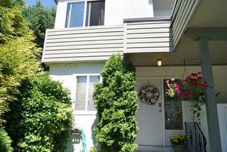 """Photo 1: 30 2830 W BOURQUIN Crescent in Abbotsford: Central Abbotsford Townhouse for sale in """"ABBOTSFORD COURT"""" : MLS®# F1217465"""