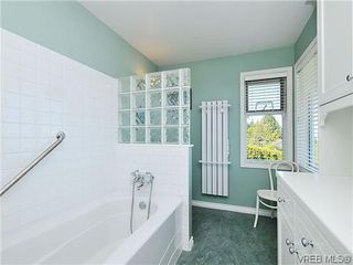 Photo 16: 858 Seamist Court in VICTORIA: SE Cordova Bay Single Family Detached for sale (Saanich East)  : MLS®# 322527