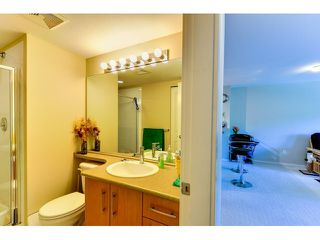 "Photo 7: 302 300 KLAHANIE Drive in Port Moody: Port Moody Centre Condo for sale in ""Tides"" : MLS®# V1017878"