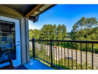 "Photo 8: 302 300 KLAHANIE Drive in Port Moody: Port Moody Centre Condo for sale in ""Tides"" : MLS®# V1017878"
