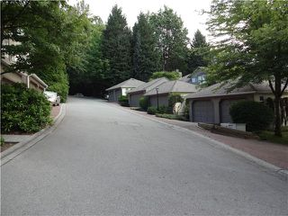 "Photo 13: 8840 FINCH Court in Burnaby: Forest Hills BN Townhouse for sale in ""PRIMROSE HILL"" (Burnaby North)  : MLS®# V1075894"