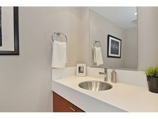 Photo 10: 2727 PRINCE EDWARD ST in Vancouver: Mount Pleasant VE Condo for sale (Vancouver East)  : MLS®# V1122910