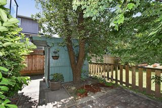 Photo 9: 2236 E Pender Street in Vancouver: Grandview VE House for sale (Vancouver East)  : MLS®# R2073977