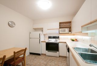 Photo 4: 208 6737 STATION HILL COURT in Burnaby: South Slope Condo for sale (Burnaby South)  : MLS®# R2084077
