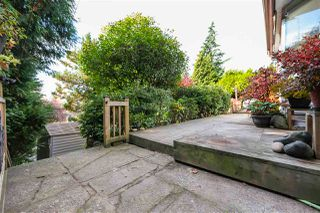 "Photo 2: 6457 MARINE Drive in Burnaby: Big Bend House for sale in ""BIG BEND"" (Burnaby South)  : MLS®# R2418156"