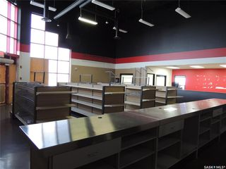 Photo 5: 516 Nesbitt Drive in Estevan: Commercial for sale : MLS®# SK800708