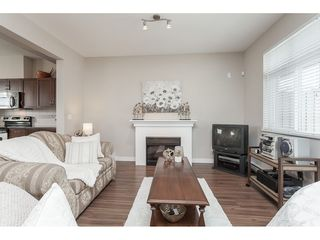 "Photo 4: 15 6036 164 Street in Surrey: Cloverdale BC Townhouse for sale in ""Arbour Village"" (Cloverdale)  : MLS®# R2445991"