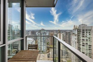 """Main Photo: 3004 833 SEYMOUR Street in Vancouver: Downtown VW Condo for sale in """"Capital Residences"""" (Vancouver West)  : MLS®# R2458446"""
