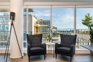 Photo 2: 1401 707 Courtney St in Victoria: Vi Downtown Condo for sale : MLS®# 843343