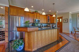 Photo 3: 6416 MARMOT Road in Sechelt: Sechelt District House for sale (Sunshine Coast)  : MLS®# R2479817