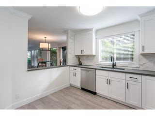 """Photo 5: 102 15440 VINE Avenue: White Rock Condo for sale in """"The Courtyards"""" (South Surrey White Rock)  : MLS®# R2520396"""