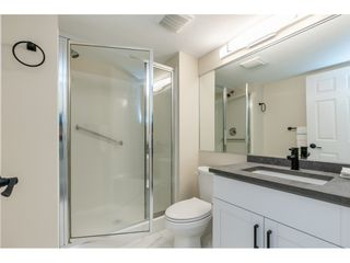 """Photo 19: 102 15440 VINE Avenue: White Rock Condo for sale in """"The Courtyards"""" (South Surrey White Rock)  : MLS®# R2520396"""