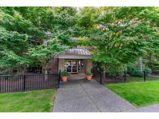 """Photo 22: 102 15440 VINE Avenue: White Rock Condo for sale in """"The Courtyards"""" (South Surrey White Rock)  : MLS®# R2520396"""