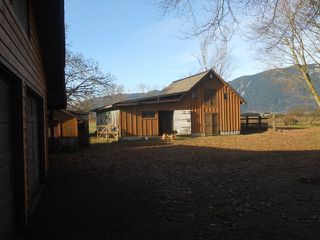 """Photo 2: 4423 BOUNDARY Road in Abbotsford: Sumas Prairie House for sale in """"YARROW"""" : MLS®# F1301021"""