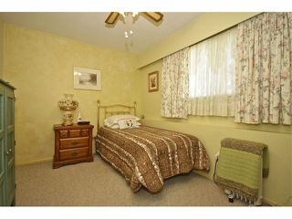 Photo 7: 8841 ROSLIN PL in Surrey: Bear Creek Green Timbers House for sale : MLS®# F1311750