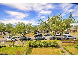 Photo 1: 2532 E 24TH AV in Vancouver: Renfrew Heights House for sale (Vancouver East)  : MLS®# V1040793