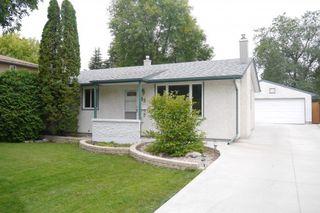 Photo 1: 43 Loyola Bay in Winnipeg: Fort Richmond Single Family Detached for sale (South Winnipeg)  : MLS®# 1423297