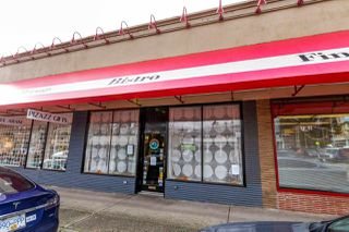 Main Photo: 3135 EDGEMONT BOULEVARD in North Vancouver: Edgemont Business for sale : MLS®# C8022120