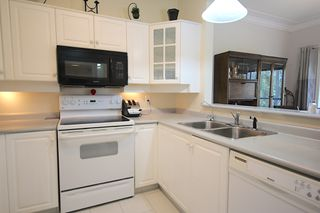 Photo 3: 219 877 KLO Rd Kelowna Condo For Sale