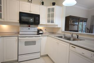 Photo 2: 219 877 KLO Rd Kelowna Condo For Sale