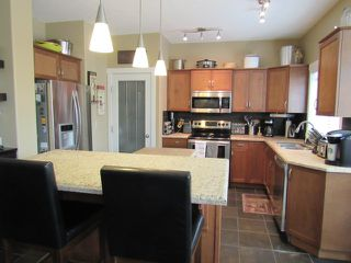 Photo 3: 28 Newmarket Way in St. Albert: House for rent