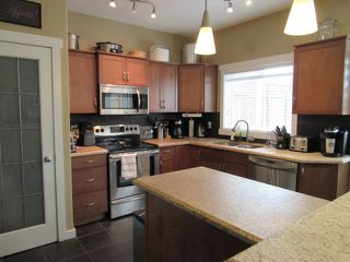 Photo 12: 28 Newmarket Way in St. Albert: House for rent