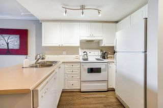 "Photo 7: 127 5880 DOVER Crescent in Richmond: Riverdale RI Condo for sale in ""WATERSIDE"" : MLS®# R2410658"