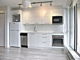 """Photo 2: 1110 10777 UNIVERSITY Drive in Surrey: Whalley Condo for sale in """"City Point"""" (North Surrey)  : MLS®# R2456310"""