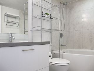 """Photo 10: 1110 10777 UNIVERSITY Drive in Surrey: Whalley Condo for sale in """"City Point"""" (North Surrey)  : MLS®# R2456310"""