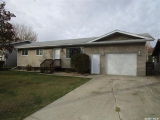 Photo 1: 807 107th Avenue in Tisdale: Residential for sale : MLS®# SK833247