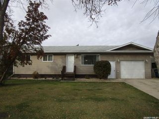 Photo 2: 807 107th Avenue in Tisdale: Residential for sale : MLS®# SK833247