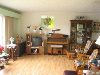 Photo 3: 46208 MAGNOLIA Avenue in CHILLIWACK: Chilliwack N Yale-Well House for sale (Chilliwack)  : MLS®# H1300907