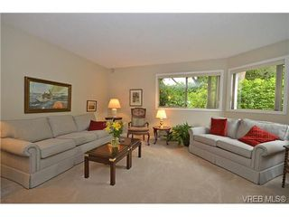 Photo 7: 102 1597 Mortimer St in VICTORIA: SE Mt Tolmie Condo for sale (Saanich East)  : MLS®# 650783
