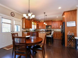 "Photo 4: 24677 103B Avenue in Maple Ridge: Albion House for sale in ""THORNHILL HEIGHTS"" : MLS®# V1027106"