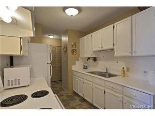 Photo 9: 205 929 Esquimalt Rd in VICTORIA: Es Old Esquimalt Condo Apartment for sale (Esquimalt)  : MLS®# 680109