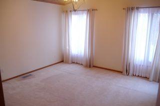 Photo 8: 992 Kilkenny Drive in Winnipeg: Fort Richmond Single Family Detached for sale (South Winnipeg)  : MLS®# 1603358
